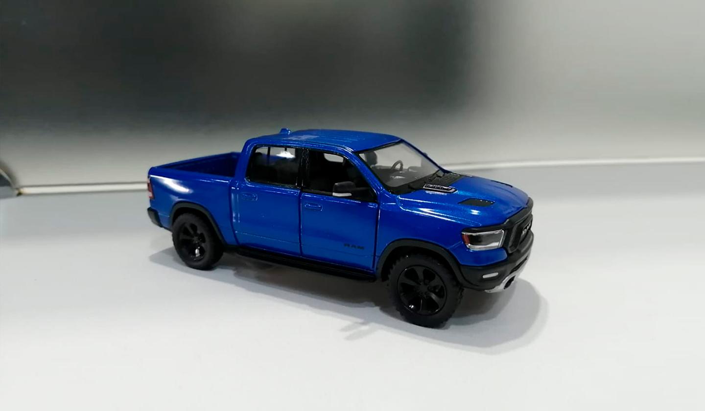 RAM 1500 2019 Azul