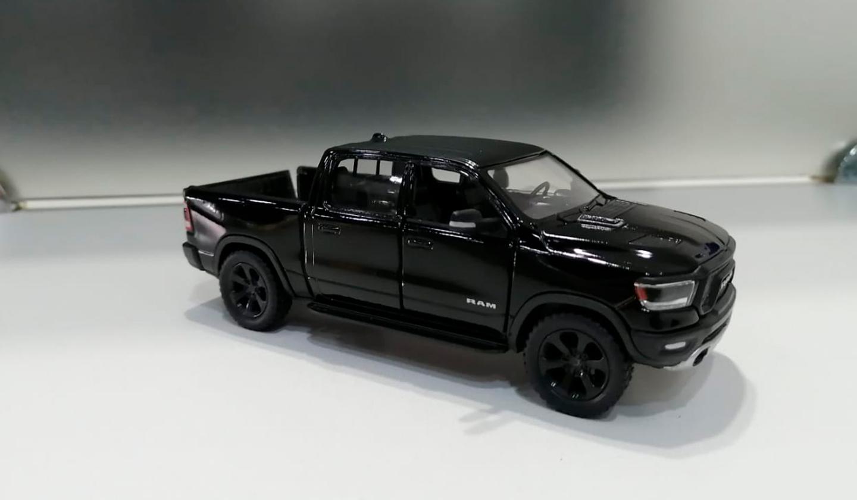 RAM 1500 2019 Negro